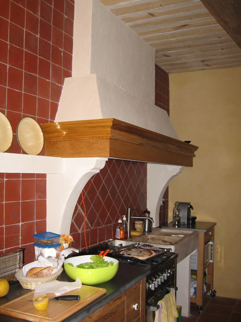 St Sat cuisine - kitchen